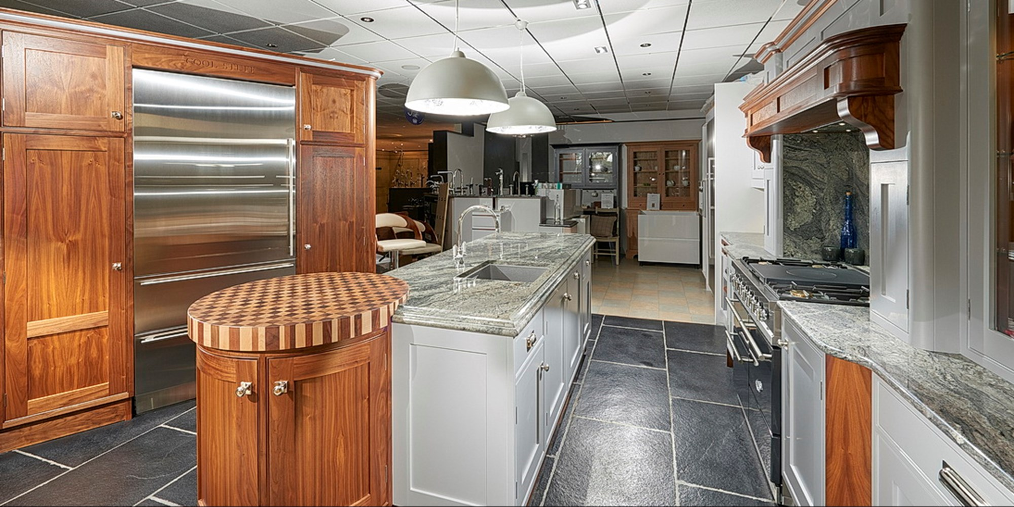 Showroomkitchen2.jpg